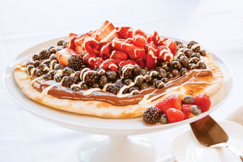 Красная, белая и голубая пицца — десертная пицца с Нутеллой