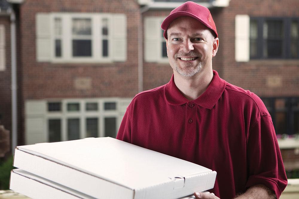 С доставщиком пиццы