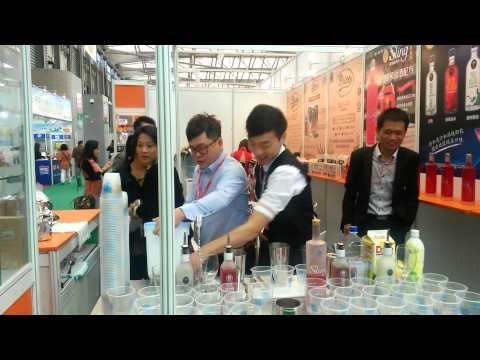 Коктейль-шоу из Сингапура на выставке FHC China 2014