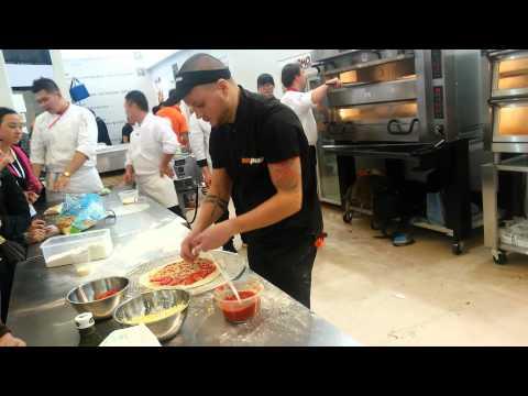 Пицца Анатолия Суркова на чемпионате Китая по пицце