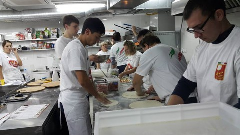 26 октября начато пятидневное обучение по основному курсу для пиццайоли