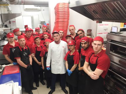 "Заметки бренд-шефа ""ПиццаФабрики"": пицца в новом формате"